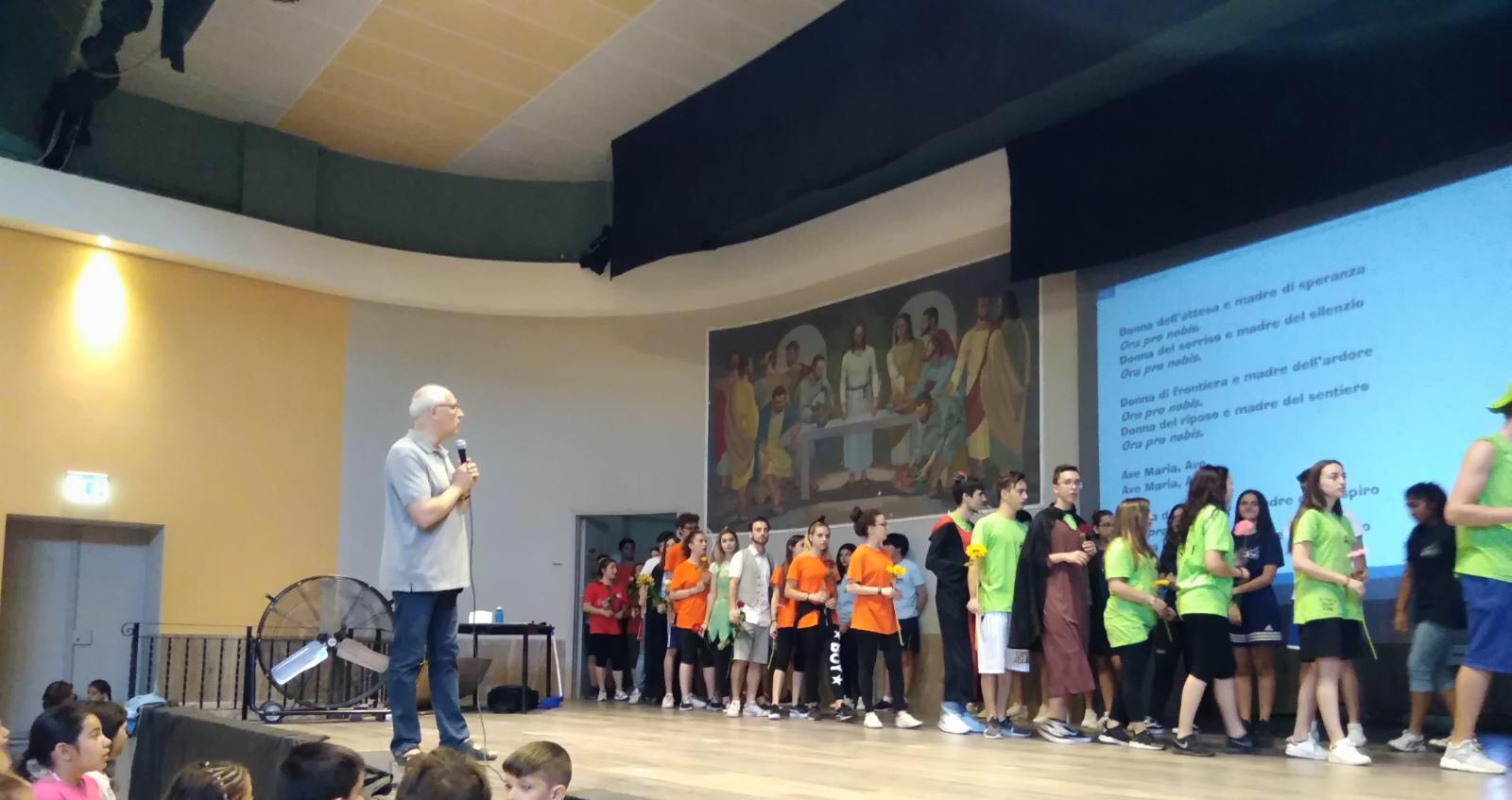 Centro estivo 28/06/2018 – omaggio educatori a Maria